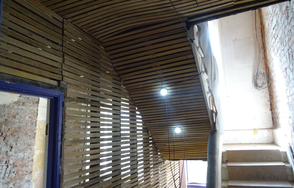 Installation of Chestnut laths