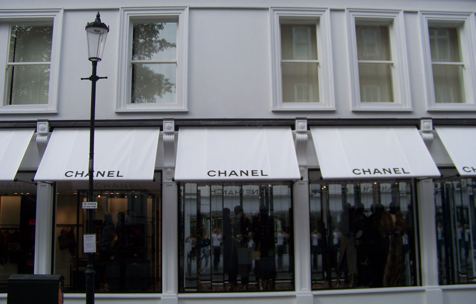 Front View Chanel Boutique